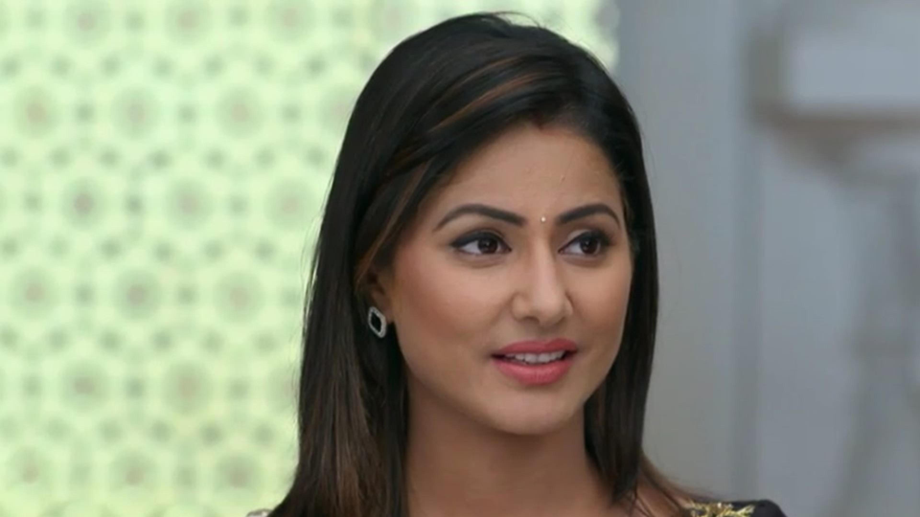 Hina Khan In Yeh Rishta Kya Kehlata Hai HD Wallpaper