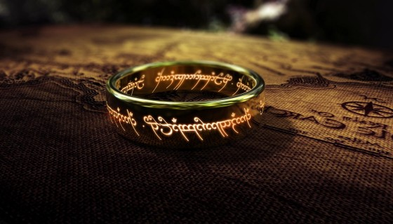 The lord of rings gold ri…