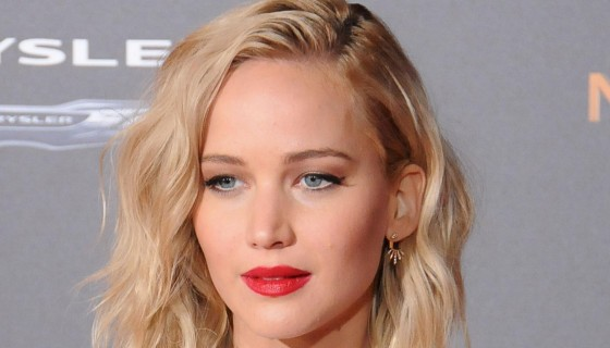 Jennifer Lawrence in Red Lips …