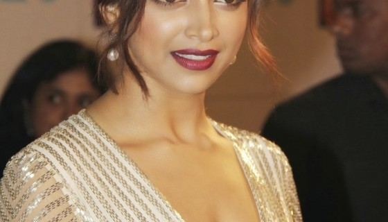 Deepika Padukone beautiful hai…