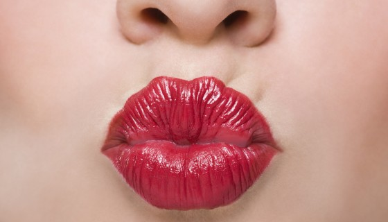 kissing red lips girls