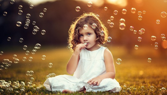 cute girl bubbles photography