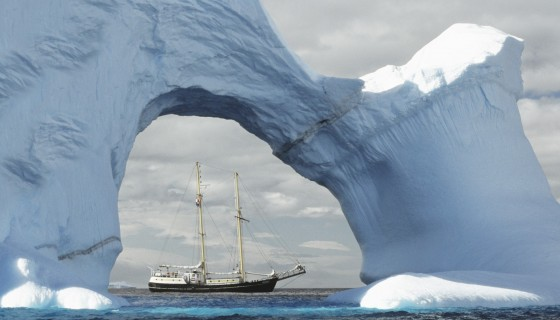ship ice berg Arctic vehi…