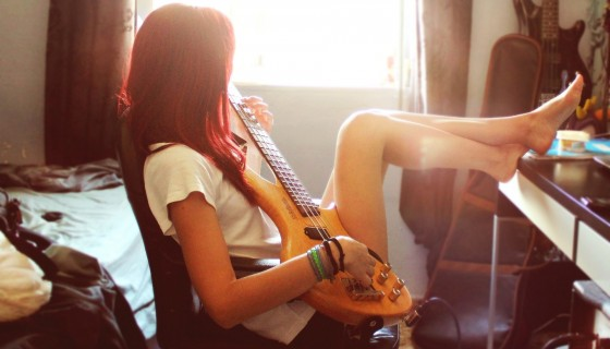 girl barefoot guitar hd wallpa…