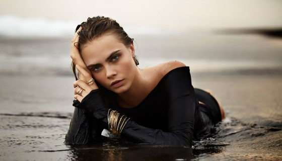 sexy cara delevingne on b…
