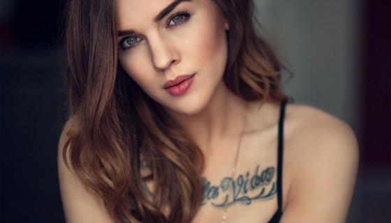 women beautiful face tatt…