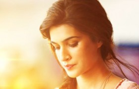kriti sanon beautiful face hai…