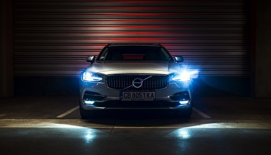 volvo car light 4k wallpa…