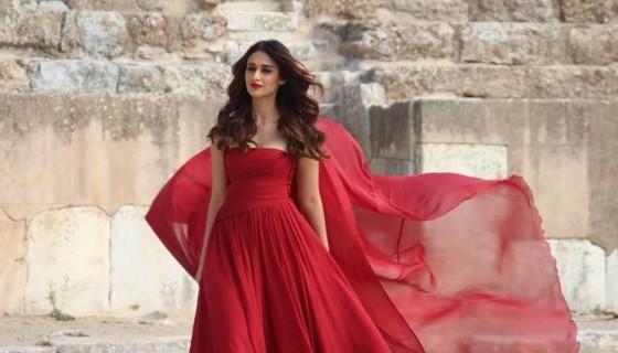 Ileana Dcruz red dress hd phot…