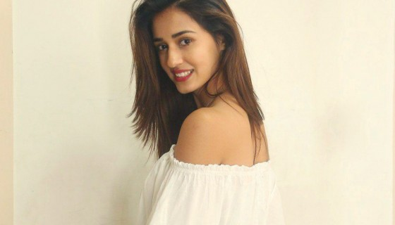 Hot Disha Patani white top hd …