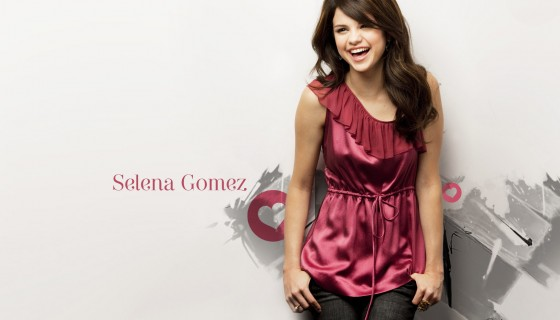 Selena Gomez smile in pin…