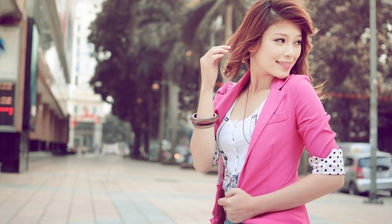 Asian Girl pink shirt bea…