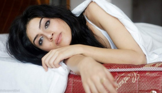 Sapna Pabbi sleep photoshoot I…