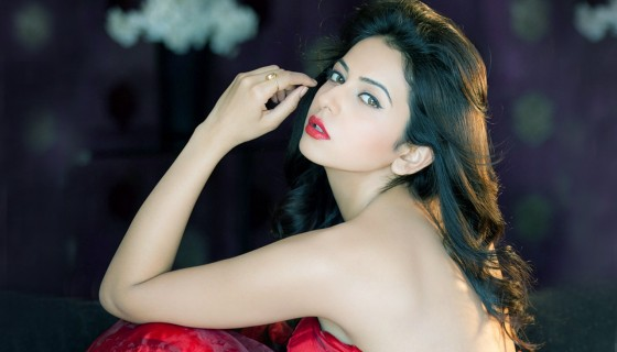 Rakul Preet Singh Backless red…