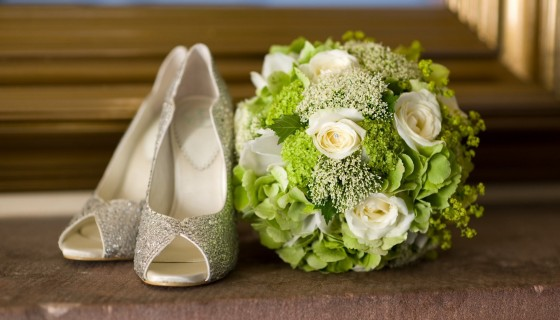 wedding bride shoes flowe…