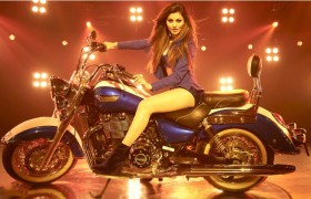 urvashi rautela hot dance in k…