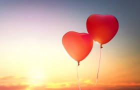 romantic heart balloon lo…