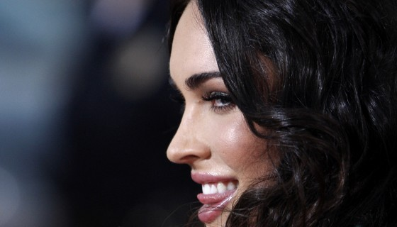megan fox black hair styl…