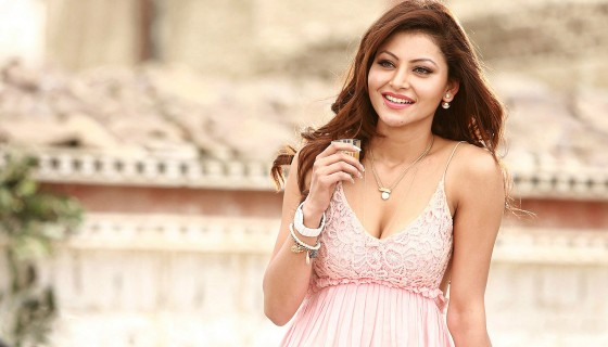 Urvashi Rautela Cute smile HD …