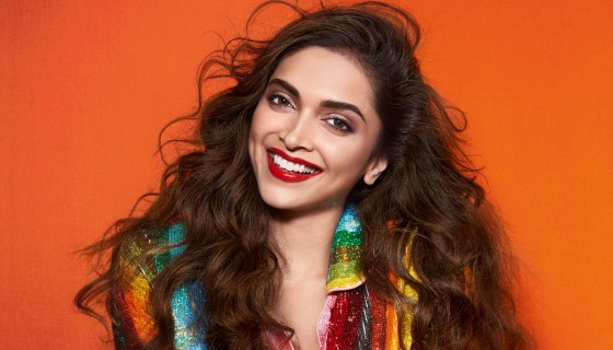 Deepika Padukone smile red lip…