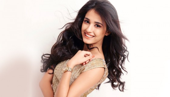 Disha Patani Cute Smile Beauti…