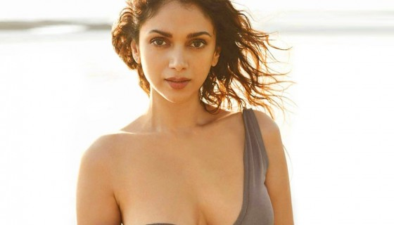 Hot Aditi Rao Hydari sexy wall…